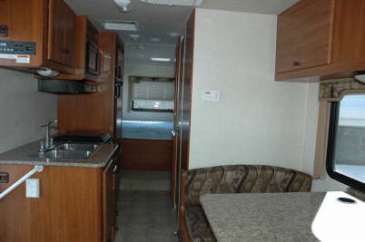 C26-vue-arriere-location-motorhome-canada