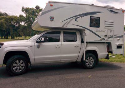 Toyota-Hilux-2.5-Liters-TDI-Single Cabin 4×4-3