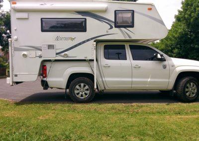 Toyota-Hilux-2.5-Liters-TDI-Single Cabin 4×4-6